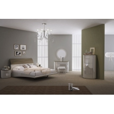 Azzurri Bedstead (Available in Double or Kingsize)