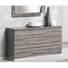 Teverly 3 Drawer Dresser by San Martino